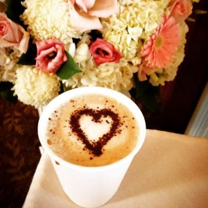 Love tops this warm and wonderful cappuccino. Brunch wedding by @plannedperfectlylowell ! #espressodave #espressodavecoffeecatering #coffeecateringMA