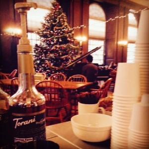 Music & lattes at #Harvard's #EliotHouse. #espressodave #studybreak #coffeecateringboston